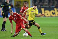FUSSBALL   1. BUNDESLIGA   SAISON 2011/2012   30. SPIELTAG Borussia Dortmund - FC Bayern Muenchen            11.04.2012 Holger Badstuber (li, FC Bayern Muenchen) gegen Robert Lewandowski (re, Borussia Dortmund)