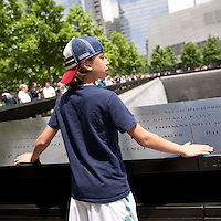 HSUL 20140530 United States, New York. Visitors at the 9/11 Memorial. Dylan Wagman. Photographer: David Brabyn