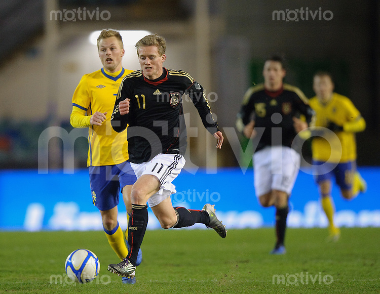 Fussball international Freundschaftsspiel Schweden - Deutschland V.l.: Sebastian LARSSON (SWE) gegen Andre SCHUERRLE (GER).