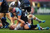 Tom Ellis of Bath Rugby gets acquainted with Rhys Gill of Cardiff Blues. European Rugby Challenge Cup match, between Cardiff Blues and Bath Rugby on December 10, 2016 at the Cardiff Arms Park in Cardiff, Wales. Photo by: Patrick Khachfe / Onside Images