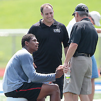HEMPFIELD TOWNSHIP, PA - AUGUST 20:  Terrelle Pryor shakes hands with former Ohio State football head coach Jim Tressel following his pro day at a practice facility on August 20, 2011 in Hempfield Township, Pennsylvania.  (Photo by Jared Wickerham/Getty Images)