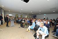 FRYSKE SPORTEN: LEEUWARDEN: 16-09-2015, Elfstedenhal, Fryske sport yn dyn klasse van start, groepsleerkrachten en directie van het basisonderwijs en buurtsportcoaches/vakleerkrachten waren uitgenodigd voor deze speciale gelegenheid, ©foto Martin de Jong