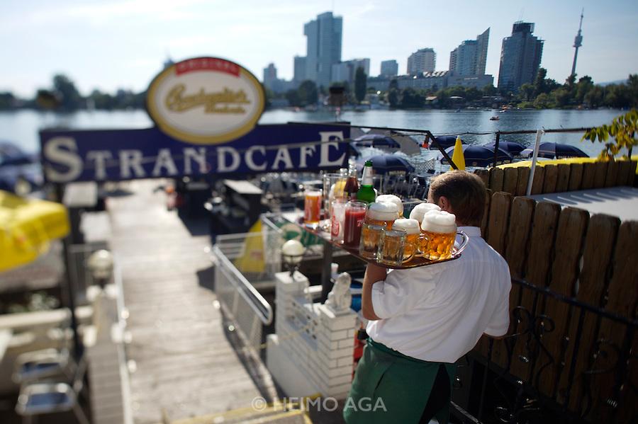Alte Donau (Old Danube). Strandcafe. Czech Budweiser beer.