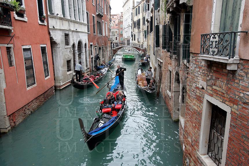 Gondole lungo un canale del sestiere di Castello.<br /> Gondolas along a canal at the sestiere of Castello, Venice.<br /> UPDATE IMAGES PRESS/Riccardo De Luca