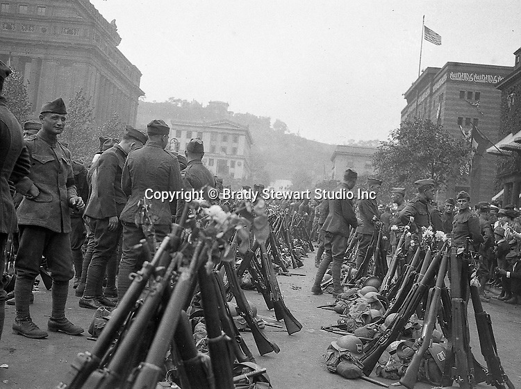 80th Division mustering in the Oakland Section of Pittsburgh to travel to Petersburg VA for boot camp training - Pittsburgh Pennsylvania 1918.  Syria Mosque in the background.