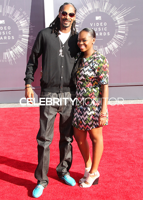 LOS ANGELES, CA, USA - AUGUST 24: Snoop Dogg, Cori Broadus at the 2014 MTV Video Music Awards held at The Forum on August 24, 2014 in the Los Angeles, California, United States. (Photo by Xavier Collin/Celebrity Monitor)