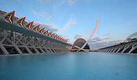 Museum of Sciences Principe Felipe, 40,000 square meters devoted to bringing science and technology closer to the public, first area of the City of Arts and Sciences covering 14,000 square meters, Santiago Calatrava, Valencia, Comunidad Valenciana, Spain ; 1998 - 2000 Picture by Manuel Cohen