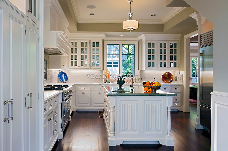 Excellent White Kitchen Cabinets with Wood Floors 750 x 499 · 165 kB · jpeg