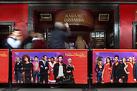 Visitors waiting for ticket and shooting at Madame Tussauds public entrance, 1884, London, UK. Picture by Manuel Cohen