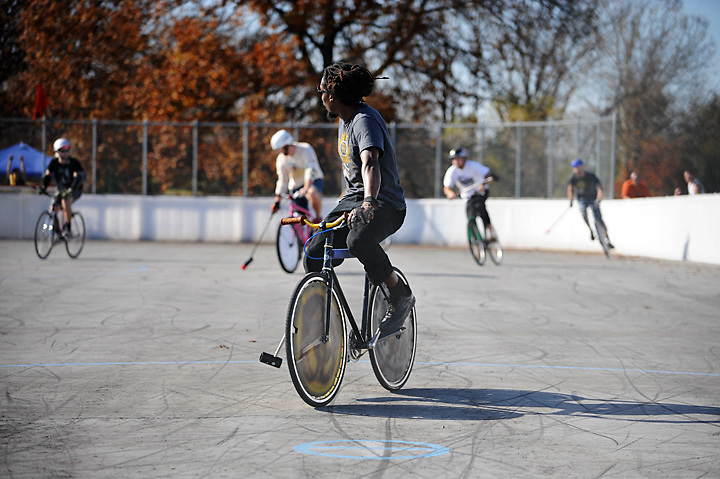 The Seventh Midwest Bike Polo Championships were held in Columbia, Missouri on November 6 &amp; 7, 2009, and is of date considered to be the second largest bike polo tournament to have ever been held.<br /> <br /> See the full project here:<br /> www.harshbarge.com/bikepolochamps.html