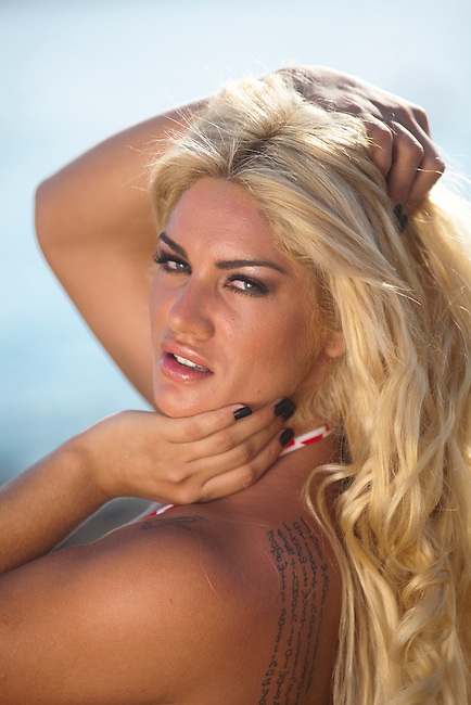 A photoshot in los cabos with Lilian Ruiz, actress and Top model from Paraguay.