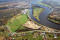 Borghorster Elbwiesen Deichrueckverlegung: EUROPA, DEUTSCHLAND, HAMBURG 25.10.2015: Die Borghorster Elbwiesen in Hamburg-Altengamme und Geesthacht sind mit einer Flaeche von 69 Hektar Teil des Naturschutzgebietes Borghorster Elblandschaft . Ein 1968 errichteter Leitdamm trennt die Wiesen vom Strom der Elbe. Mit der geplanten Kohaerenzmaßnahme wird der Deich wieder geoeffnet und die Landschaft dem Tideeinfluss ausgesetzt.