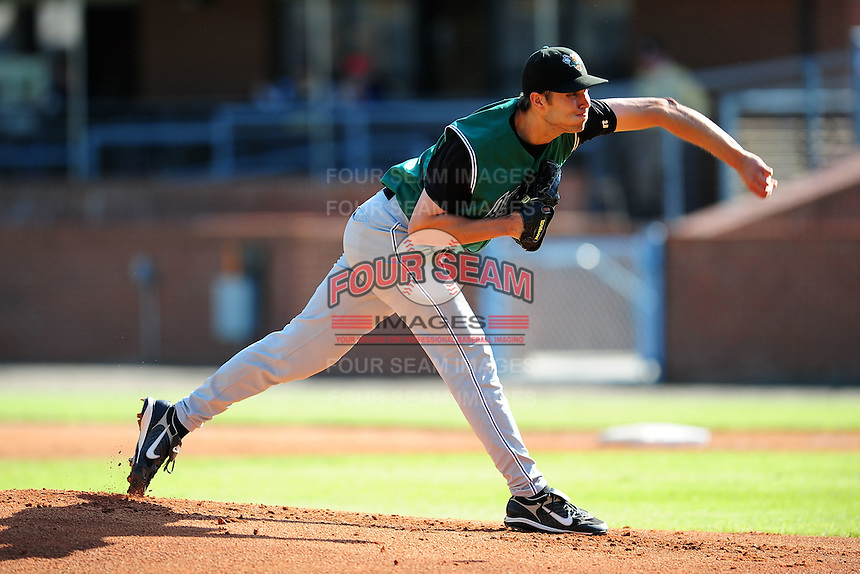 May 17, 2009:  Pitcher Ari Ronick of the Augusta GreenJackets delivers a pitch during a game at McCormick Field in Asheville, NC.  Augusta is the Low-A affiliate of the San Francisco Giants.  Photo By Tony Farlow/Four Seam Images