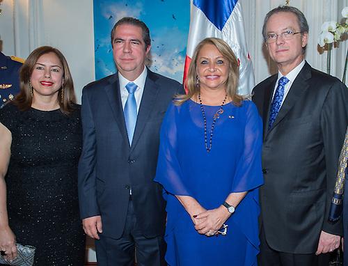 De izquierda a derecha, los señores Jeanis de García, Francisco Javier García, Manuel A. Grullón y Rosa Hernández de Grullón.