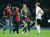 Fussball International  WM Qualifikation 2014   16.10.2012 Deutschland - Schweden Enttaeuschung Torwart Manuel Neuer und Per Mertesacker (v. li., Deutschland)