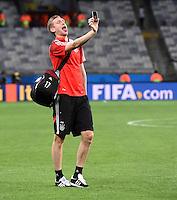 FUSSBALL WM 2014                HALBFINALE Brasilien - Deutschland          08.07.2014 Selfie: Per Mertesacker (Deutschland)