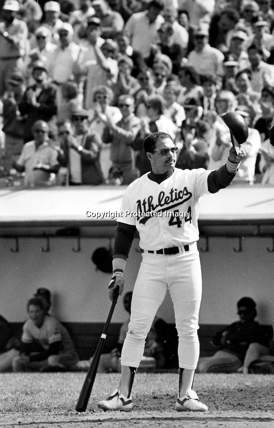 Oakland Athletics slugger Reggie Jackson waves to the crowd before his last at bat before he retires, Oct 1,.1987. (photo by Ron Riesterer)