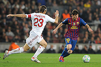 FUSSBALL  CHAMPIONS LEAGUE  VIERTELFINAL RUECKSPIEL   2011/2012      FC Barcelona - AC Mailand           03.04.2012 Massimo Ambrosini (li, AC Mailand) gegen Lionel Messi (Barca)