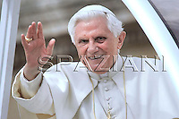 General audience Pope Benedict XVI  in St. Peter's Square at the Vatican. March 11, 2009