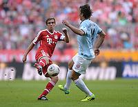 Fussball  1. Bundesliga  Saison 2013/2014  9. Spieltag FC Bayern Muenchen - 1. FSV Mainz     19.10.2013 Philipp Lahm (li, FC Bayern Muenchen) gegen Julian Baumgartlinger (1. FSV Mainz 05)