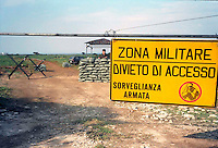 Torre Cintola (Bari) Aprile1999  . Base militare  Italiana formata da due postazioni di missili Hawk antiaerei lungo la costa della Puglia   .Operazioni nato contro la  Jugoslavia. Italian military base Torre Cintola (Bari) formed by two postings of missiles Hawk anti airplanes long the coast of Puglia  .During The Operations been Born Against The Yugoslavia  .