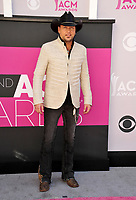 Jason Aldean at the Academy of Country Music Awards 2017 at the T-Mobile Arena, Las Vegas, NV, USA 02 April  2017<br /> Picture: Paul Smith/Featureflash/SilverHub 0208 004 5359 sales@silverhubmedia.com