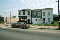 1993 May 19..Assisted Housing..Calvert Square..BEFORE RENOVATIONS.ROLL 5-4.BRAMBLETON LOOKING NORTH.1018 & 1022...NEG#.NRHA#..