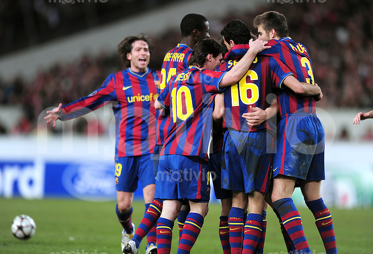 FUSSBALL  International  Champions   League  Hinspiel   SAISON 2009/2010    VfB Stuttgart -  FC Barcelona      23.02.2010 (v. li., Barca JUBEL) Maxwell , Yaya Toure , Lionel Messi ,Sergio Busquets  , Gerard Pique Bernabeu (Barca)