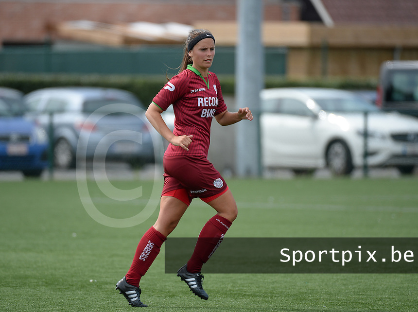 20150808 - ZULTE , BELGIUM : Zulte's Charlien Ver Eecke pictured during a friendly soccer match between the women teams of Zulte-Waregem and RSC Anderlecht  , during the preparations for the 2015-2016 SUPERLEAGUE season, Saturday 8 August 2015 . PHOTO DAVID CATRY