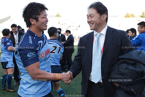 (L-R) Yuhimaru Mimura,  Katsuyuki Kiyomiya (Jubilo), FEBRUARY 28, 2015 - Rugby : The 52nd Japan Rugby Football Championship match between Yamaha Jubilo 15-3 Suntory Sungoliath at Prince Chichibu Memorial Stadium, Tokyo, Japan. (Photo by Sho Tamura/AFLO SPORT) [1180]
