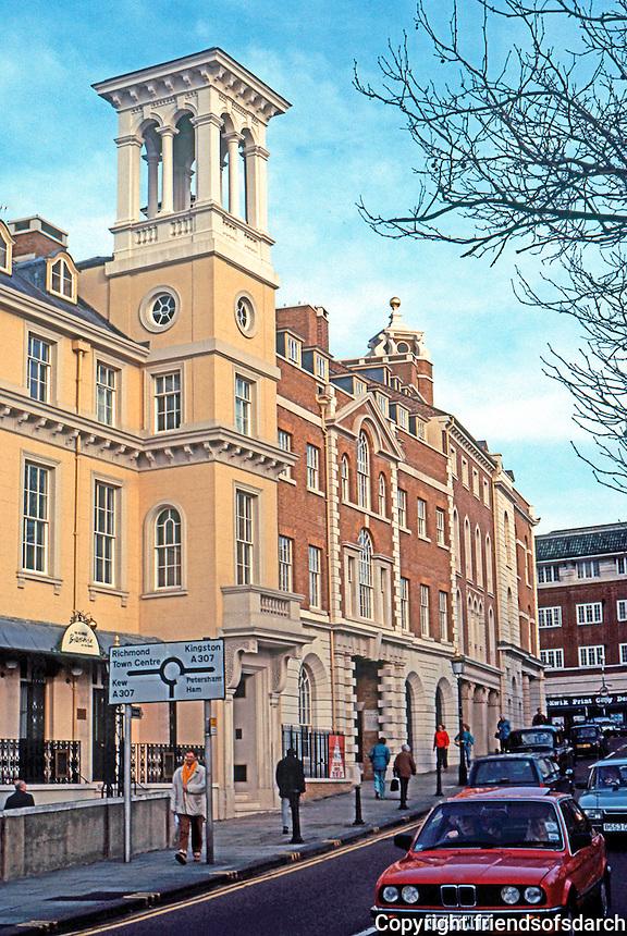 London: Richmond. Tower House on Bridge Street. Photo '90.