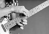 EDDIE VAN HALEN - INSTRUCTIONAL HANDS CLOSE UP (1980)