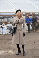 EXCLUSIF : Pamela Anderson visite un entrep&ocirc;t destin&eacute; &agrave; stocker v&ecirc;tements et denr&eacute;es alimentaires pour les r&eacute;fugi&eacute;s.<br /> France, Calais, 25 janvier 2017<br /> Pamela Anderson visits a refugees warehouse in Calais.<br /> France, Calais, 25 January 2017