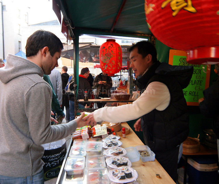 how to effectively run a market stall