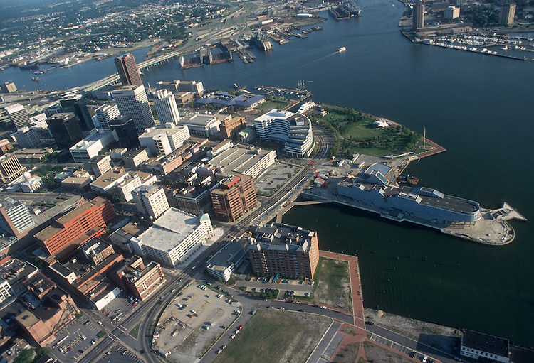 1993 August 20..Redevelopment.Downtown West (A-1-6)..LOOKING SOUTHEAST.HARBOR PLACE.NAUTICUS...NEG#.NRHA#..