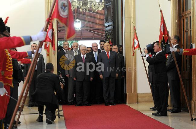 Palestinian President Mahmoud Abbas (Abu Mazen) meets with Venezuelan President, Chavez in Caracas on Oct. 11,2011. Photo by Thaer Ganaim