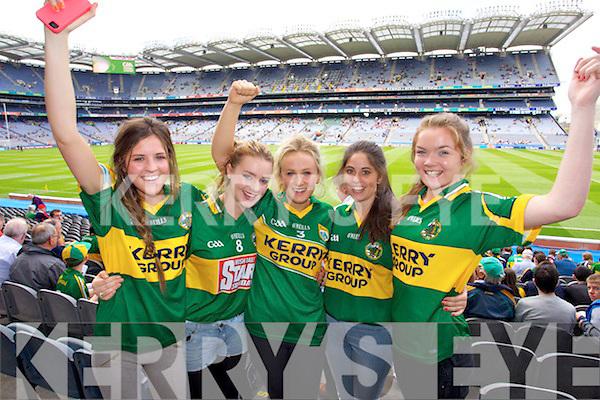 - 32-S-Kerry-Fans-2887