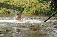 FIERLJEPPEN: BURGUM: 10-09-2016, Pollepleats Nationale Competie, Laatste (nat)sprong Bart Helmholt, ©foto Martin de Jong