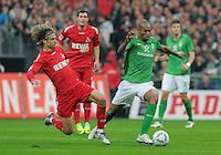 FUSSBALL   1. BUNDESLIGA   SAISON 2011/2012    12. SPIELTAG  05.11.2011 SV Werder Bremen - 1.FC Koeln Naldo (SV Werder Bremen) gegen  Martin Lanig (1. FC Koeln)