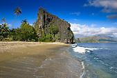 """Plage du """"Billet de 500"""" à Hienghène, Nouvelle-Calédonie (ce rocher amblémathique figure sur les billets de 500 F Pacifique)"""