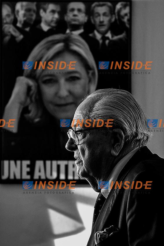 12-01-2014 Agen <br /> Jean Marie LE PEN davanti ad una foto di Marine Le Pen <br /> Foto Panoramic / Insidefoto