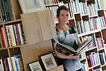 Foto: VidiPhoto<br /> <br /> NIJMEGEN - Portret van Hanneke van Asperen, kunsthistorica aan de Radboud Universiteit Nijmegen.