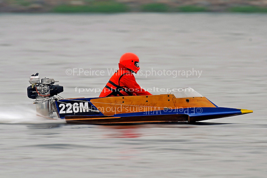 226-M (Stock Outboard Hydro)