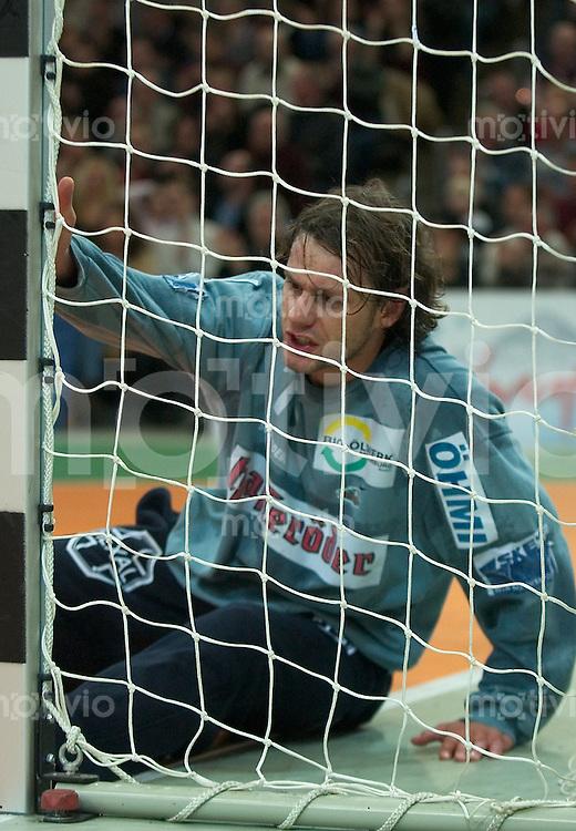 Handball Maenner 1.Bundesliga 2002/2003 Goeppingen (Germany) FrischAuf! Goeppingen - SC Magdeburg (27:27) Torwart (Magdeburg)