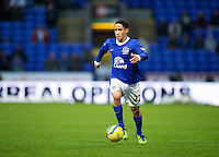 BOLTON, ENGLAND - Saturday, January 26, 2013: Everton's Steven Pienaar in action against Bolton Wanderers during the FA Cup 4th Round match at the Reebok Stadium. (Pic by David Rawcliffe/Propaganda)