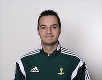 FUSSBALL Fototermin FIFA WM Schiedsrichterassistenten 09.04.2014 Bahattin DURAN (Tuerkei)