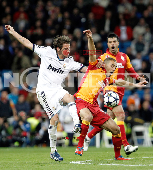 Real Madrid's Fabio Coentrao and Galatasaray's Nordin Amrabat during the quarter final Champion League match. April 3, 2013.(ALTERPHOTOS/Alconada)