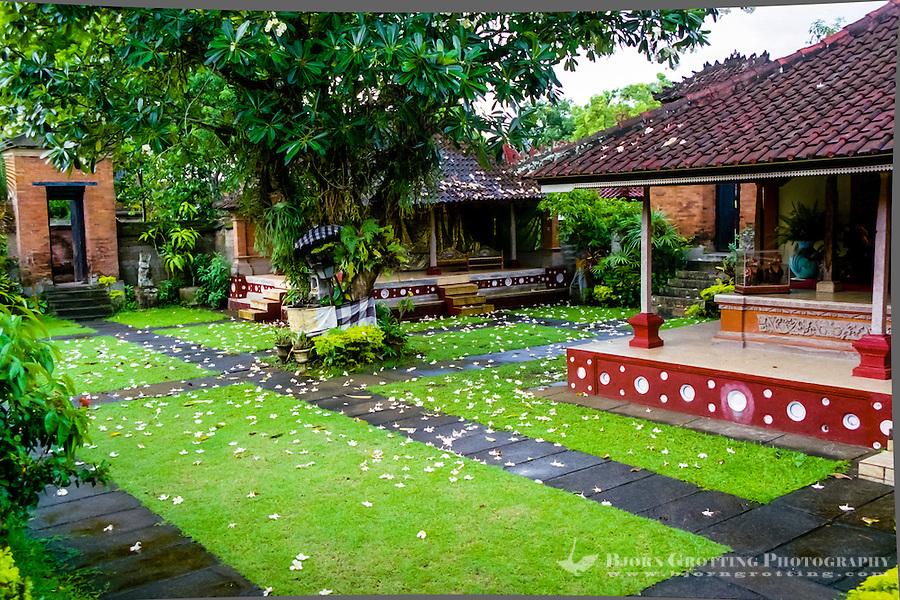 Bali, Tabanan, Kerambitan. Inside the Puri Agung palace.
