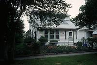 1995 June 12..Conservation.Ballentine Place...BEFORE REHAB.2721 BALLENTINE.ACKIE..NEG#.NRHA#..