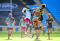 Josh Bassett of Wasps claims the ball in the air. Aviva Premiership match, between Wasps and Harlequins on October 2, 2016 at the Ricoh Arena in Coventry, England. Photo by: Patrick Khachfe / JMP